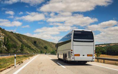 Beneficios al contratar un transporte turístico